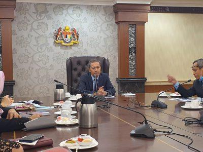 Sesi bersama Yang di-Pertua Dewan Rakyat YB Datuk Azhar Azizan Harun